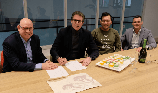 ondertekenen contract