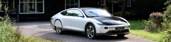 De meest aerodynamische productieauto rijdt op zonne-energie.